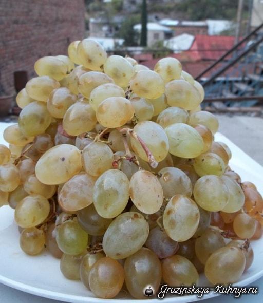 kak-prigotovit-patoku-iz-vinograda-po-gruzinski-10