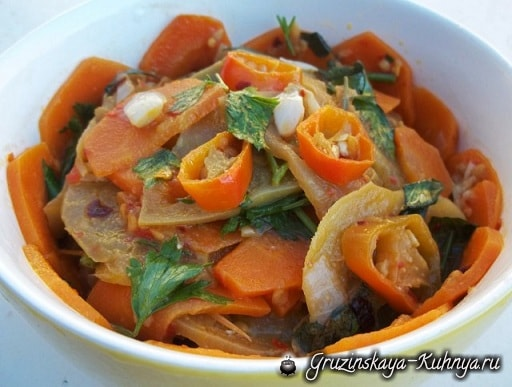 tushenyie-zelenyie-pomidoryi-s-morkovyu-po-gruzinski-5
