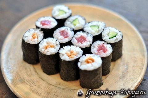 sushi-ekzoticheskoe-blyudo-kotoroe-stoit-poprobovat-2