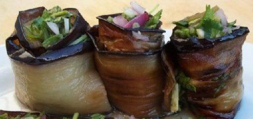 Жареные баклажаны с зеленью и чесноком
