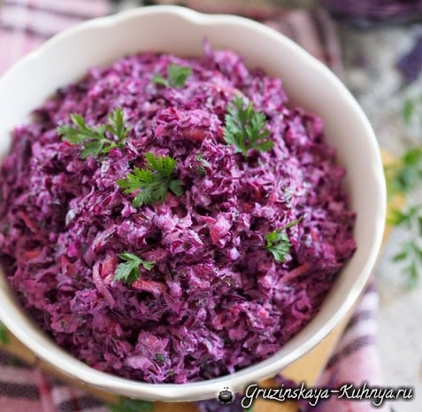 Салат из краснокачанной капусты (4)