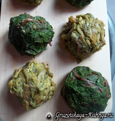 Пхали из свекольных листьев с орехами (13)