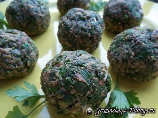 Пхали из свекольных листьев с орехами (7)