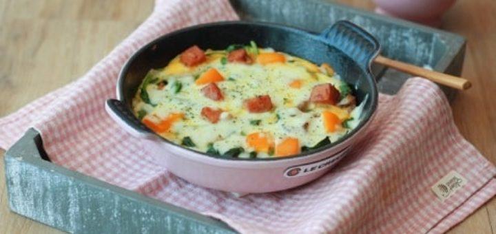 Яичница с беконом, сыром и овощами (7)