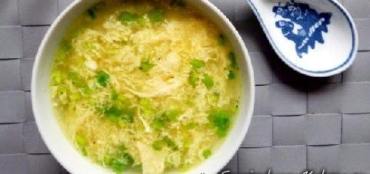 Куриный суп с имбирем, яйцами и зеленым горошком (1)