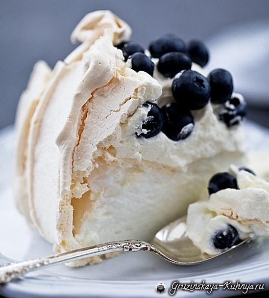 Торт Павлова с ягодами. Рецепт (4)