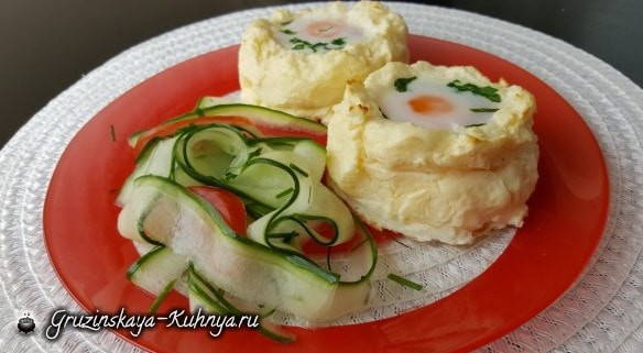 Яйца-пашот в картофельных корзинках (2)