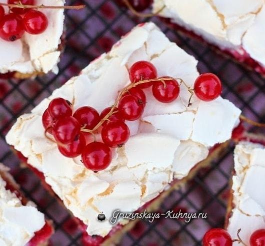 Пирог с безе и красной смородиной (2)