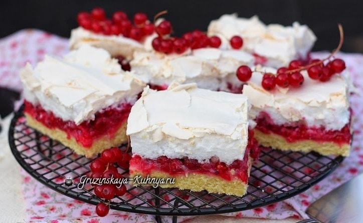 Пирог с безе и красной смородиной (3)