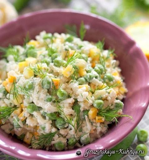 Салат из цветной капусты с зеленым горошком (2)