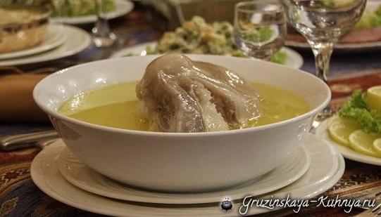 Суп хаши из бараньих или говяжьих рубцов и ножек (1)