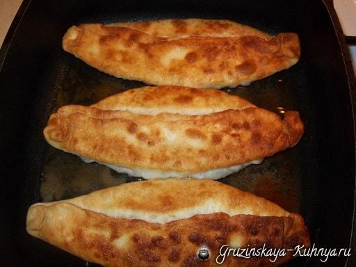 Дрожжевые пирожки с грибами по-грузински (7)