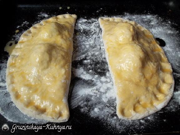 Гурийские хачапури с сыром и вареными яйцами (6)