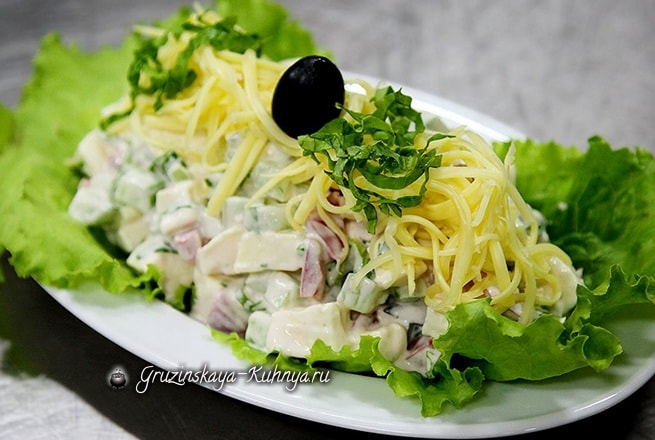 Рецепт сырного салата с овощами