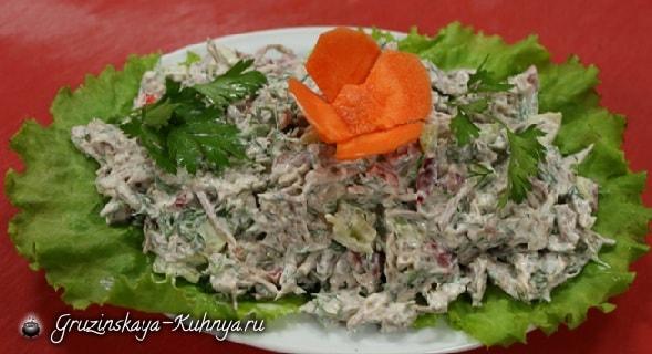 Салат из говяжьего языка с шампиньонами