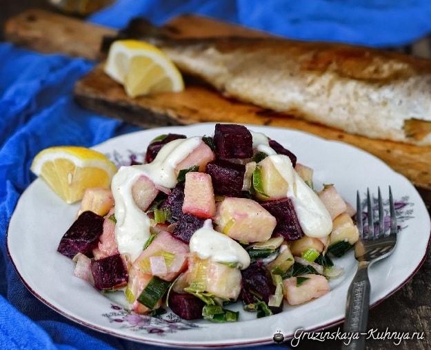 Жареная форель с лимоном и картофельным салатом (2)