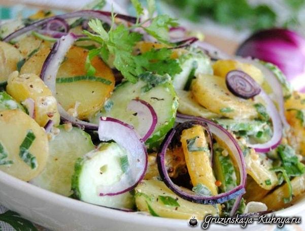 Салат из молодого картофеля с огурцами (3)