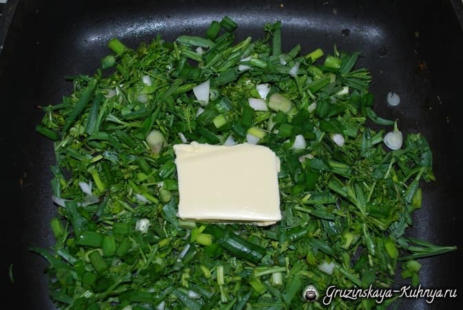 Гвезели из слоеного теста с тархуном и яйцом (1)