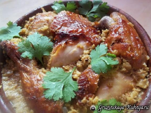 Жареная курица с пряным ореховым соусом из фундука (5)