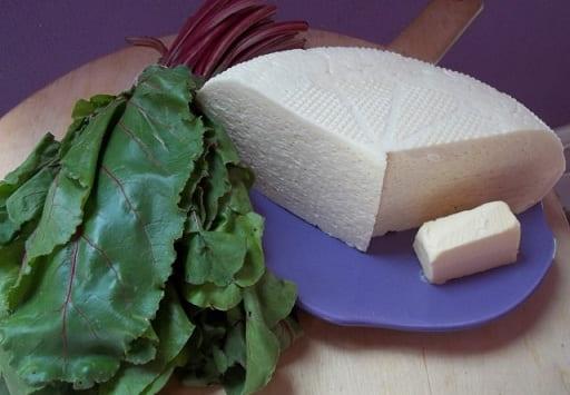 Хачапури с сыром и свекольными листьями (9)
