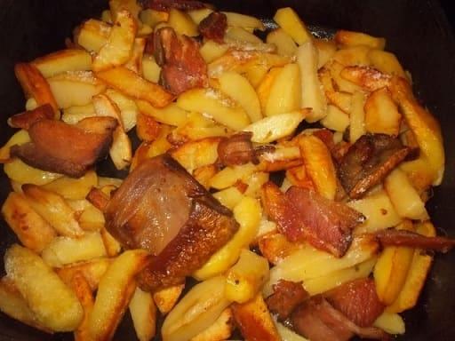 Оджахури из копченого бекона с салатом (3)