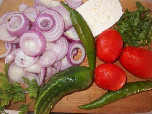 Оджахури из копченого бекона с салатом (5)