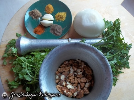 Шарики пхали из зеленой фасоли с орехами (4)