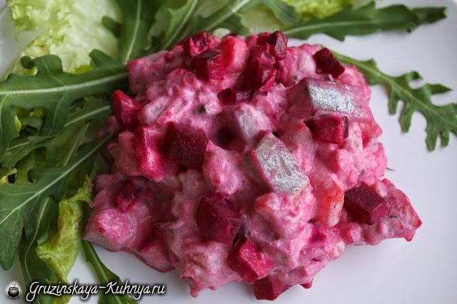 Салат из сельди со свеклой (1)