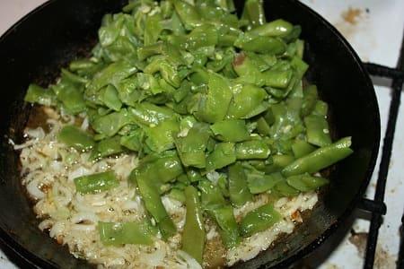 Зеленое лобио с зеленью и чесноком (4)