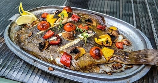 Как приготовить камбалу в духовке - пошаговые рецепты (2)