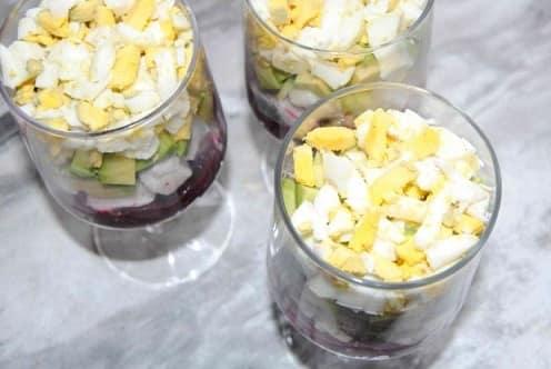 Рецепт салата с авокадо и селедкой (1)