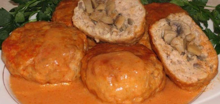 Фрикадельки с грибами в томатном соусе (1)