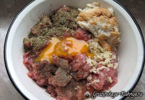 Фрикадельки с грибами в томатном соусе (2)