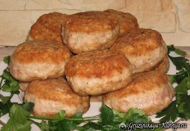 Фрикадельки с грибами в томатном соусе (4)