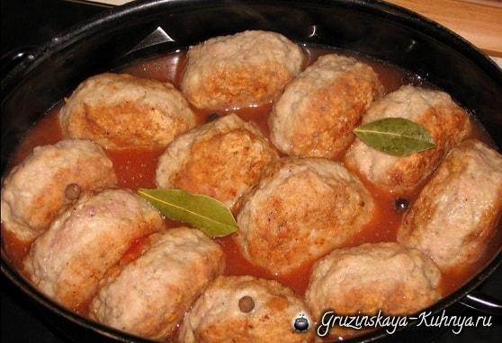 Фрикадельки с грибами в томатном соусе (5)