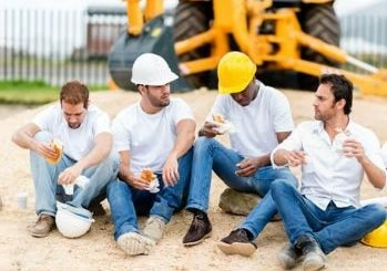 Обед для строителей и рабочих