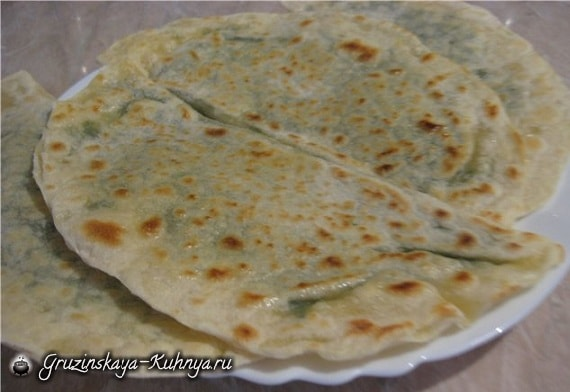 Лепешки из пресного теста с овощной начинкой (2)