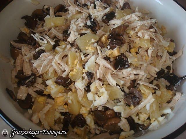Салат с курицей и грибами (2)