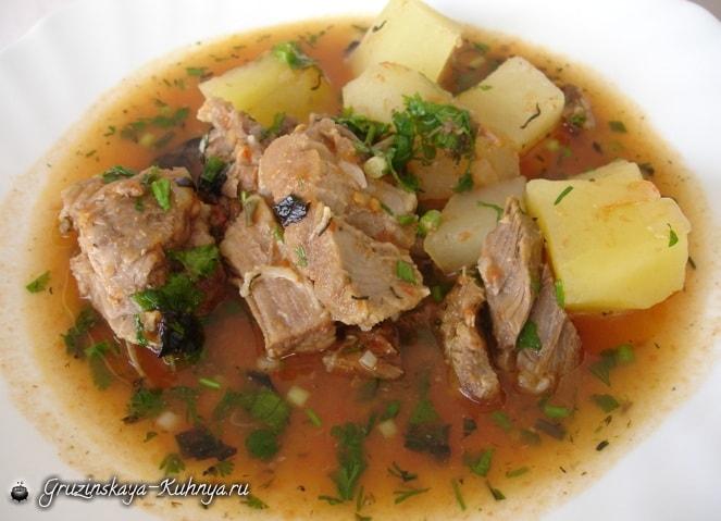 Мясной суп по-грузински