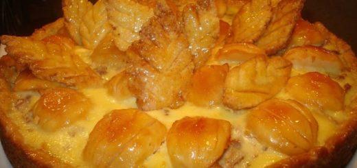 Яблочный пай с изюмом и миндалем (3)