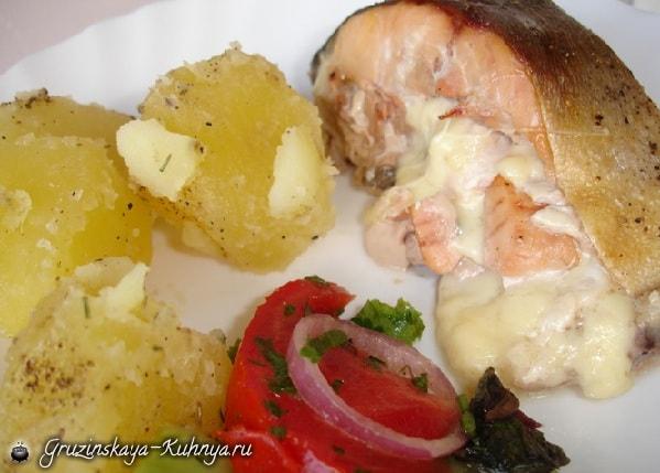Лосось в духовке, фаршированный грибами и сыром (2)