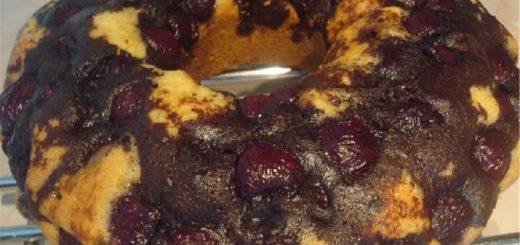 Вишневый кекс с шоколадной глазурью (2)