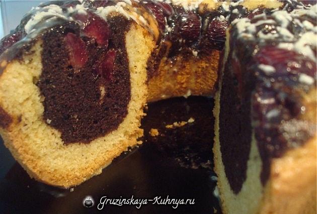 Вишневый кекс с шоколадной глазурью (3)