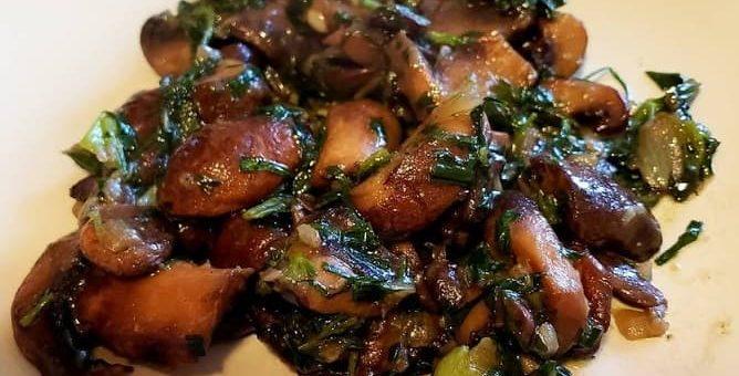 Чашушули из грибов с тархуном (1)