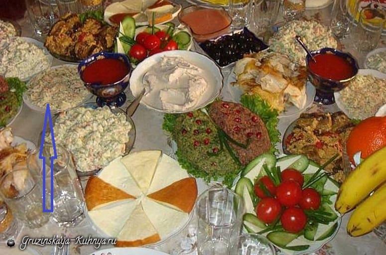 Салат с курицей и редиской (2)